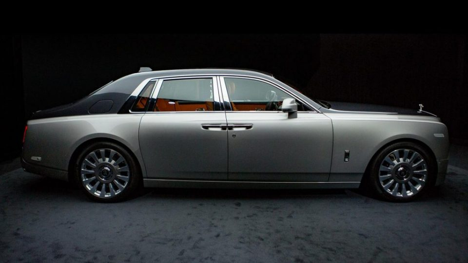 2018-rolls-royce-phantom (2)